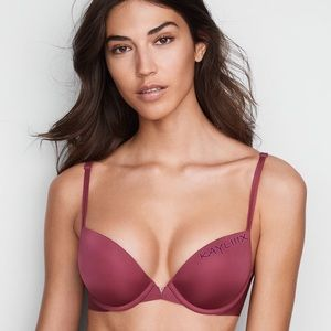VS Seamless Smooth Sexy Illusions Unlined Plunge